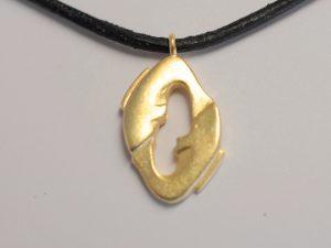 Sternzeichen Anhänger Fische aus 925 Silber vergoldet
