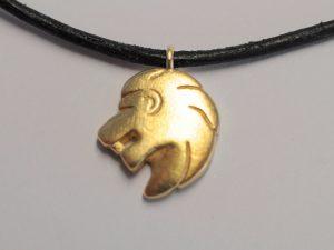 Sternzeichen Löwe aus Silber vergoldet
