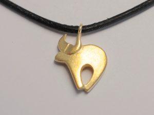 Sternzeichen Stier aus 925 Silber vergoldet