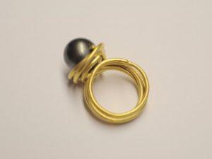 Ring aus 750 Gelbgold mit Tahitiperle