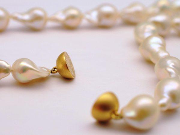 Collier aus Coin Perlen