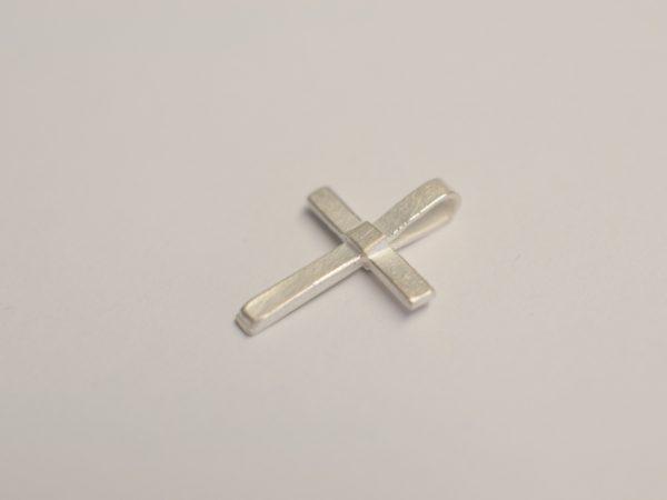 Kleines Kreuz aus Silber 925