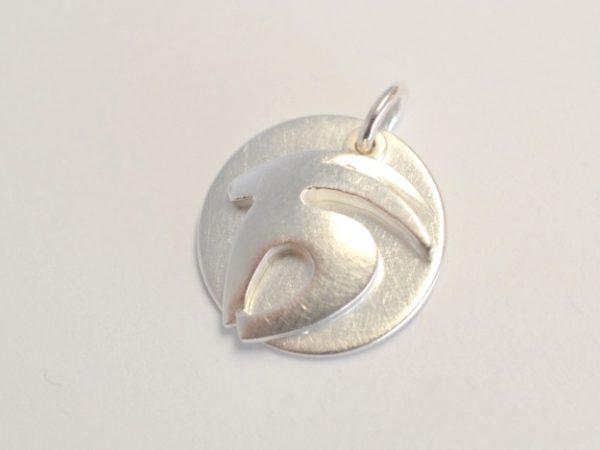 Sternzeichen Anhänger Steinbock aus Silber mit einer Gravurplatte