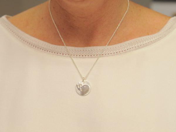 Sternzeichen Anhänger Wassermann aus Silber an Silberkette mit Gravurplatte