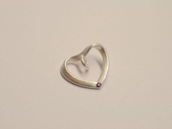 Herz-Anhänger mit magenta Diamant