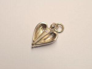Kleiner Schutzengel aus 750 Weißgold mit Brillant