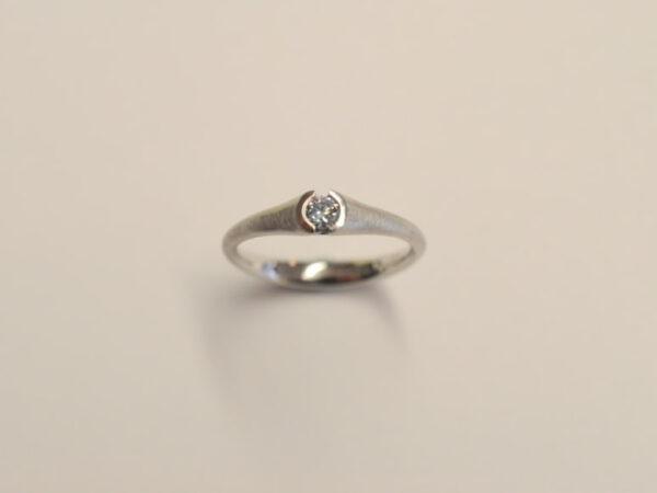 Verlobungsring Platin 950 Diamant eisblau