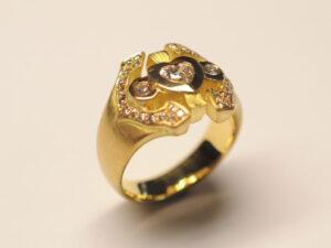 Damenring Gelbgold mit herzförmigem Diamant