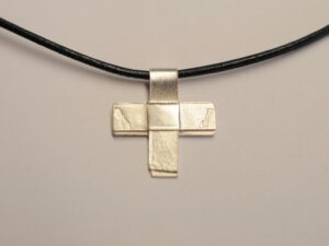 Kreuz Anhänger aus Silber - v12
