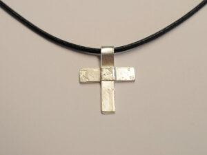 Kreuz Anhänger aus Silber - v14