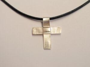 Kreuz Anhänger aus Silber - v16