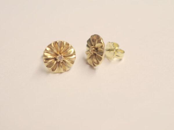 Plissee Ohrstecker Gelbgold mit Diamant